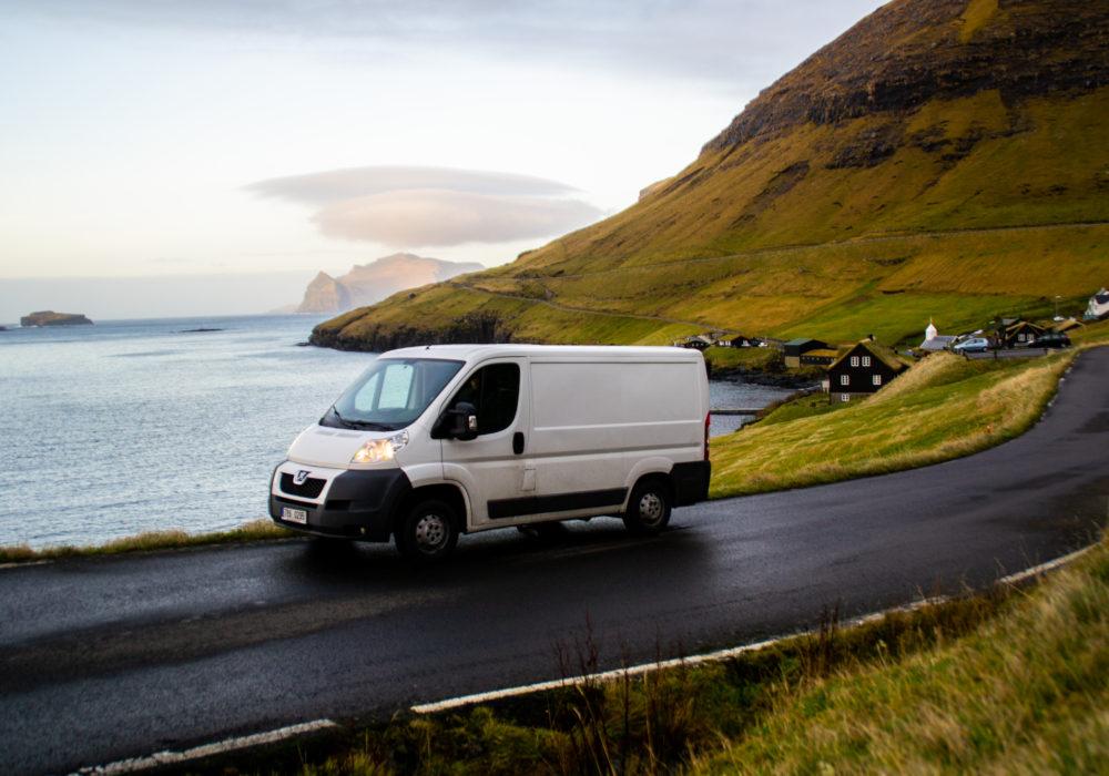 ISLAND A FAERSKÉ OSTROVY trajektem s vlastním autem
